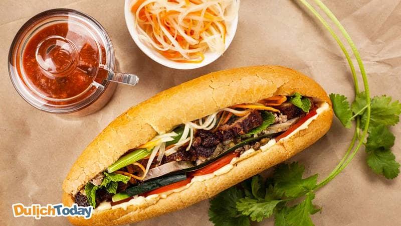Bánh mì kẹp món ăn sáng ở Vũng Tàu được nhiều người yêu thích