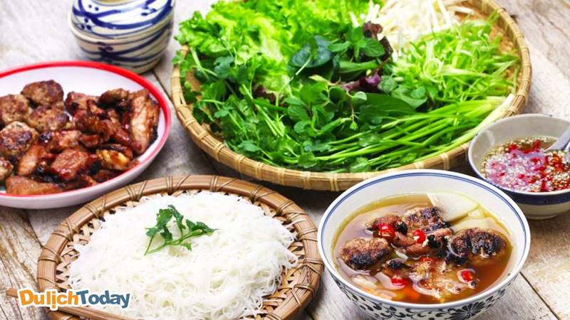 Bún chả món ăn sáng truyền thống, lâu đời luôn được nhiều người yêu thích cho đến ngày nay
