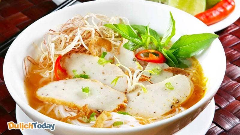 Món ăn sáng ở Vũng Tàu - bún chả cá luôn luôn hấp dẫn mọi khách du lịch khi đến thành phố biển
