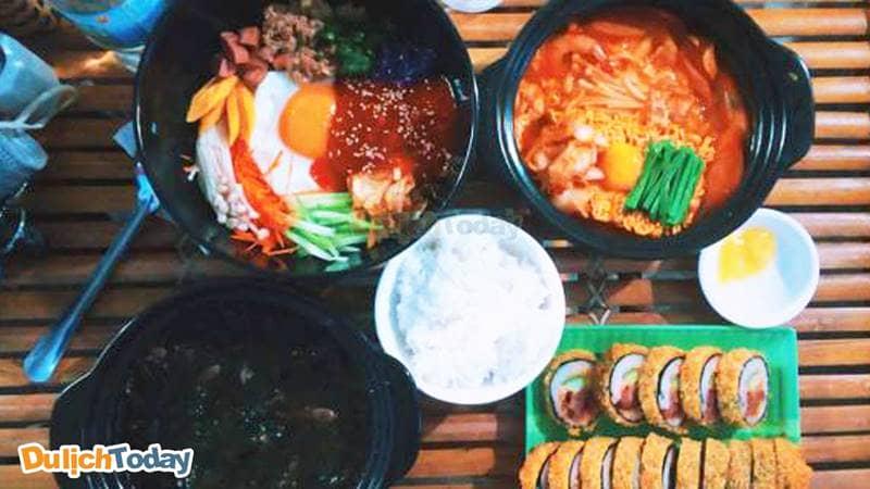 U's kimbap chuyên các món ăn về đồ Hàn