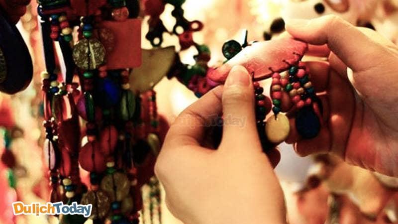 Lựa chọn những đồ lưu niệm nhỏ xinh để làm quà tặng cho bạn bè và người thân