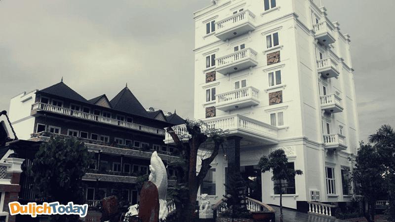 Hoàng Thanh Thủy là một khách sạn mới kiến trúc hiện đại có không gian yên bình gần biển Vũng Tàu