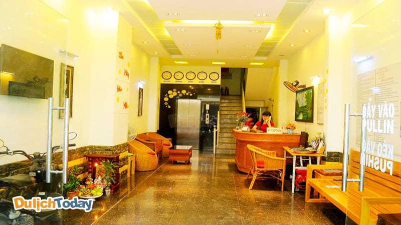 Sảnh vào khách sạn Queen 2 Nha Trang