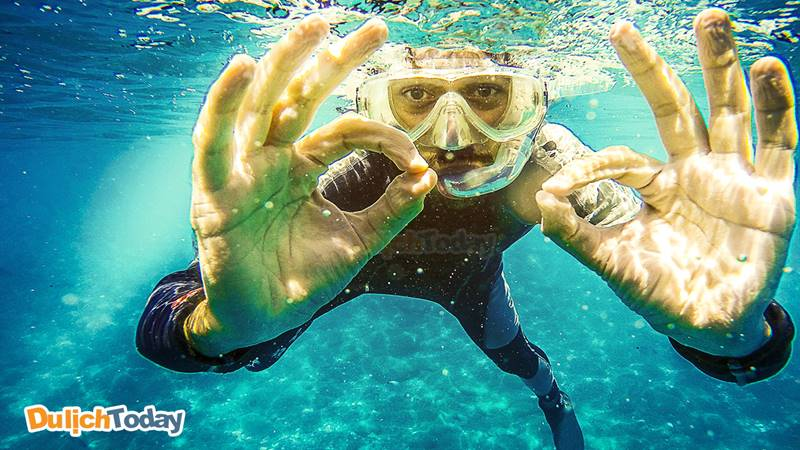 Lặn biển bằng ống thở