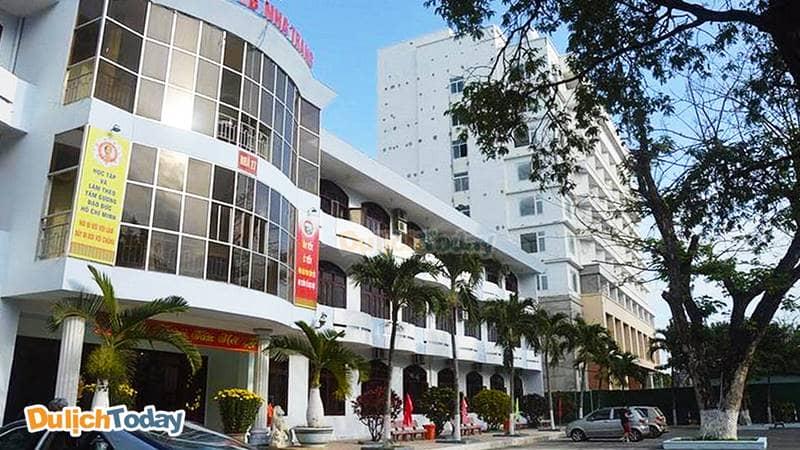 Nhà nghỉ T78 Nha Trang trực thuộc Văn phòng Trung Ương Đảng, có diện tích rộng và khuôn viên lớn