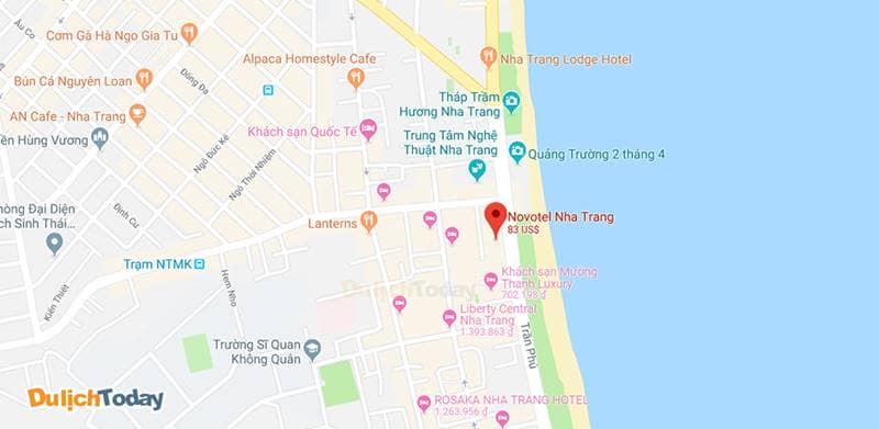 Khách sạn Novotel Nha Trang nằm trên đường Trần Phú, gần biển và tọa lạc ở trung tâm thành phố.