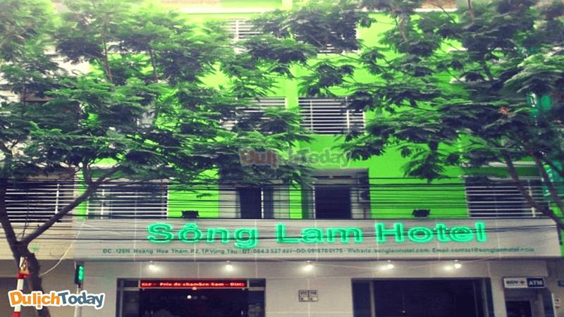 Nằm trên đường Hoàng Hoa Thám, Sông Lam là một trong những kháchsạn có giá rẻ và vị trí thuận tiện nhất Vũng Tàu
