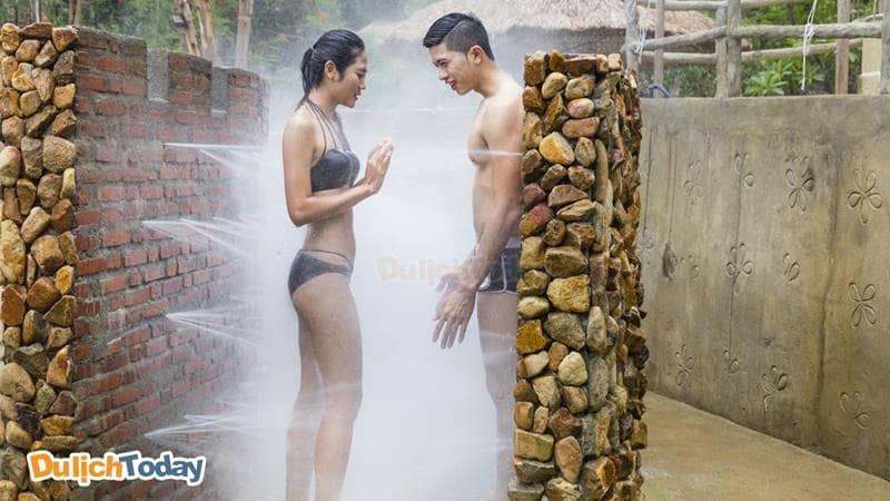 Trải nghiệm tắm ôn tuyền thủy liệu pháp massage toàn thân