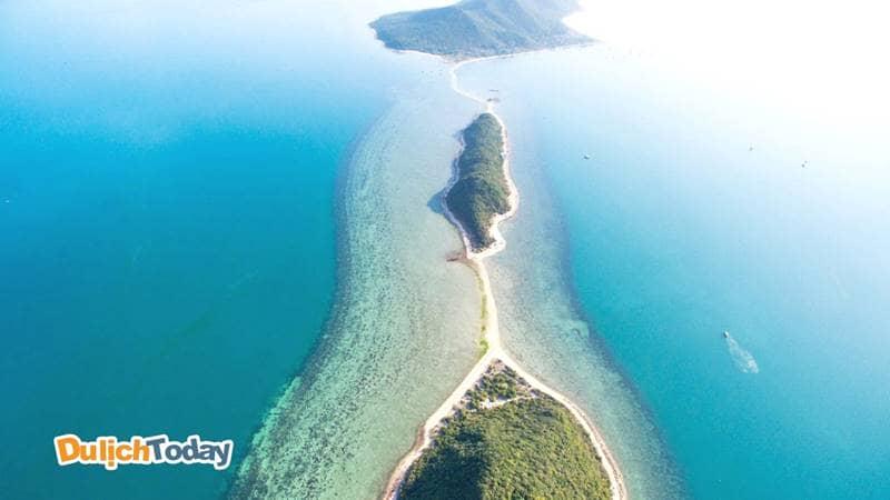 Điệp Sơn gồm 3 đảo Hòn Bịp, Hòn Ó và Hòn Quạ