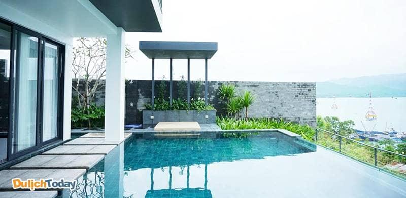 Biệt thự cao cấp Acqua Villa Nha Trang có bể bơi vô cực và tầm nhìn cực rộng ra vịnh biển