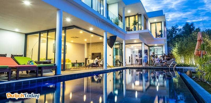 Hapier Villa Nha Trang có diện tích lớn, thiết kế sang trọng, bể bơi vô cực tuyệt đẹp với tầm nhìn hướng biển