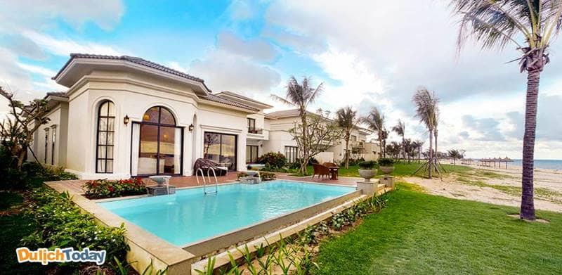 Biệt thự ở Long Beach rộng rãi, có thể đáp ứng nếu du khách muốn tìm những villa 4 phòng ngủ Vinpearl Nha Trang