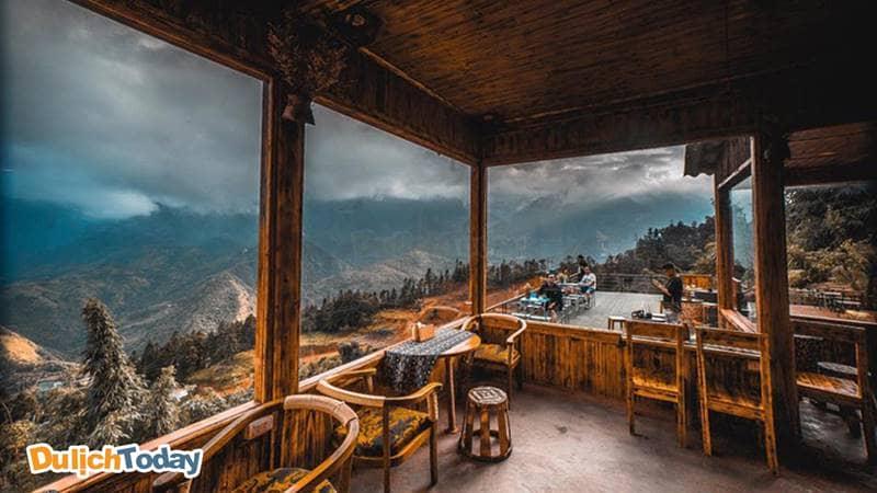 Khu quầy bar có view tuyệt đẹp khiến bạn chỉ muốn ngắm nhìn mãi
