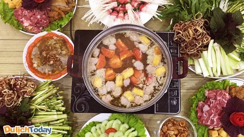 Lẩu rau với nhiều loại rau có vị ngon lạ miệng