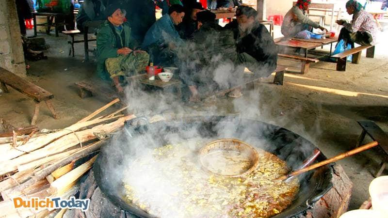 Thắng cố - Món ăn phổ biến ở các phiên chợ Sapa