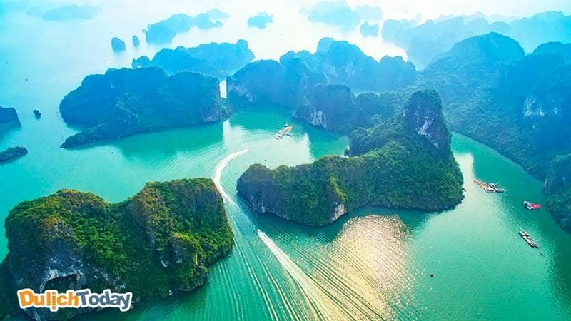Vịnh Hạ Long dẫn đầu danh sách điểm đến hàng đầu Việt Nam 2018