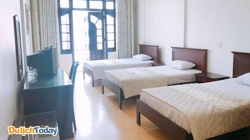 Phòng 3 giường tại một nhà nghỉ ở Bãi Cháy Hạ Long
