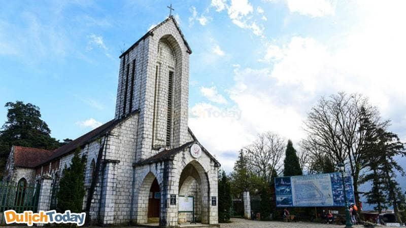 Nhà thờ đá-địa điểm du lịch Sapa hấp dẫn du khách