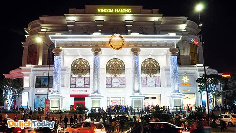 Trung tâm thương mại Vincom Plaza là điểm ăn chơi Hạ Long rất hút khách