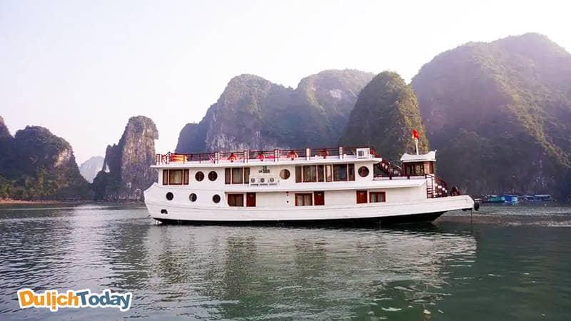 Du thuyền có hành trình khác biệt - tham quan vịnh Bái Tử Long