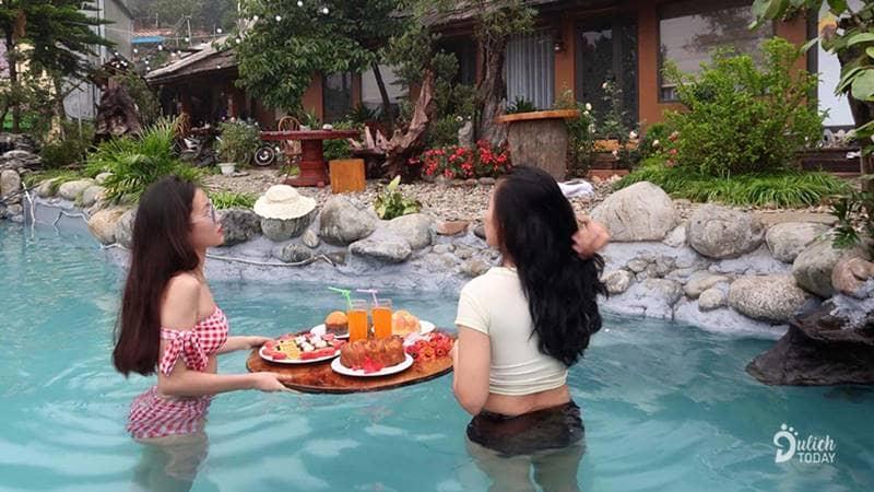 Bể bơi ngoài trời tại Love house homestay Sapa