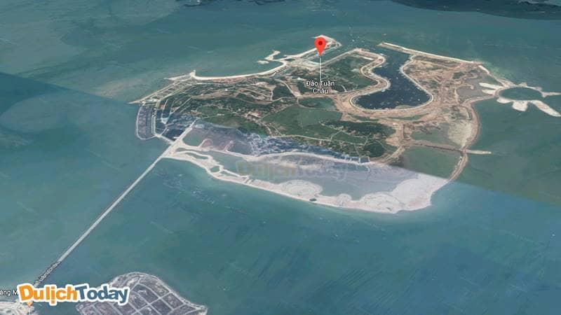 Tuần Châu là hòn đảo nhỏ cách đất liền khoảng 2km