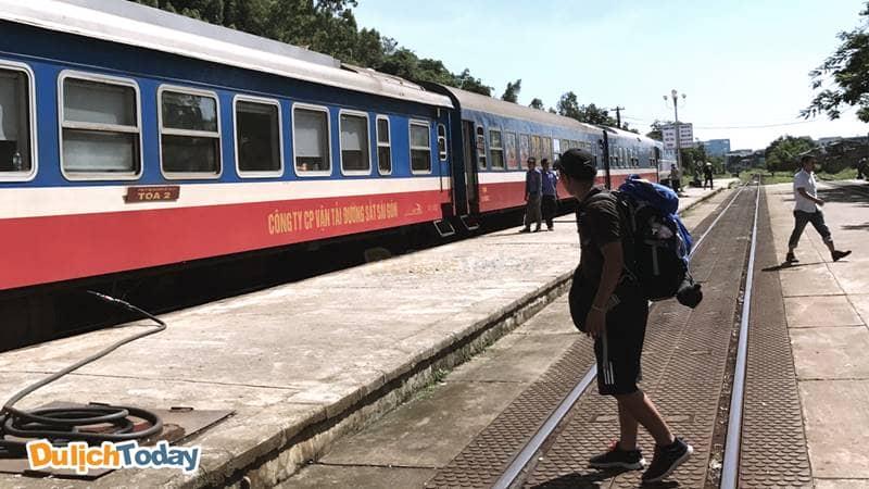 Đi Sapa bằng tàu hỏa với chi phí tầm khoảng 400.000 vnđ tiền vé