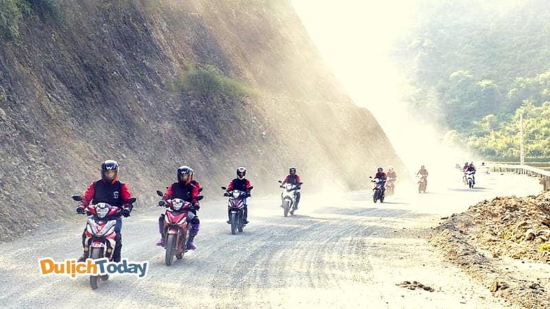 Phượt Sapa theo đoàn bằng xe máy