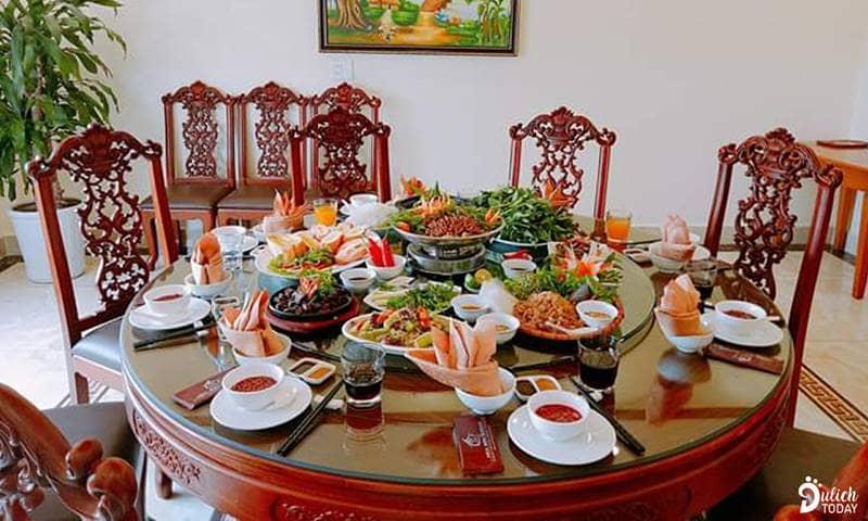 """Thưởng thức ẩm thực """"gốc"""" Quảng Ninh tại nhà hàng Hoa Sơn"""""""