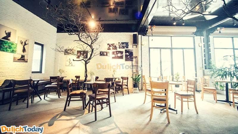 Không gian Cafe tại homestay Otoke Hạ Long