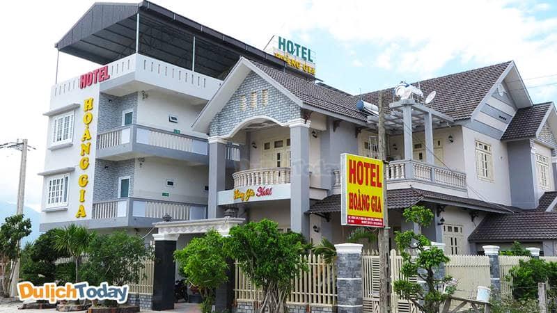 Khách sạn Hoàng Gia Dốc Lết nhỏ xinh, mới xây