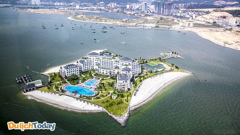 Combo xe đưa đón và nghỉ tại resort Hạ Long. Nguồn: Internet