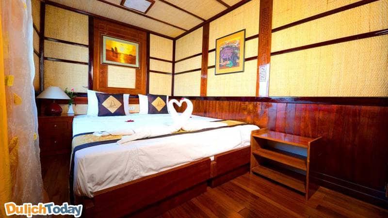 Không gian trong phòng nghỉ được trang trí khá lãng mạn, thích hợp cho các cặp đôi