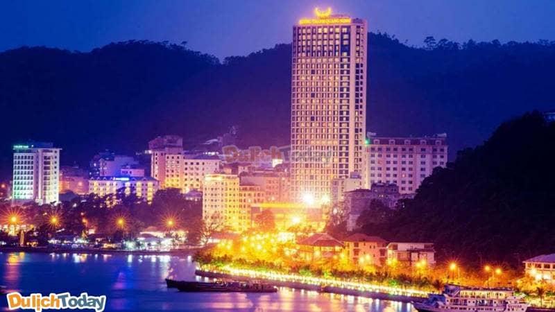 Mường Thanh Grand Hạ Long có vị trí đẹp chiêm ngưỡng được toàn bộ nét đẹp sôi động của thành phố Hạ Long