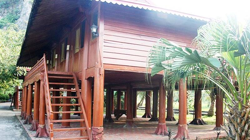 Một trong những nhà sàn tại AIT - Resort Bái Tử Long. Nguồn: Internet