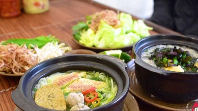 Thố bún nóng hổi được ăn kèm với đĩa rau sống tươi ngon