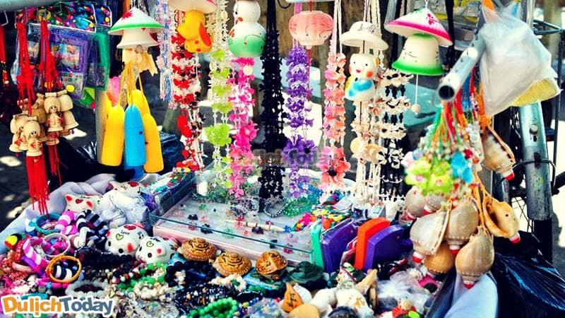 Khu bán quà lưu niệm tại Bạch Dinh Vũng Tàu