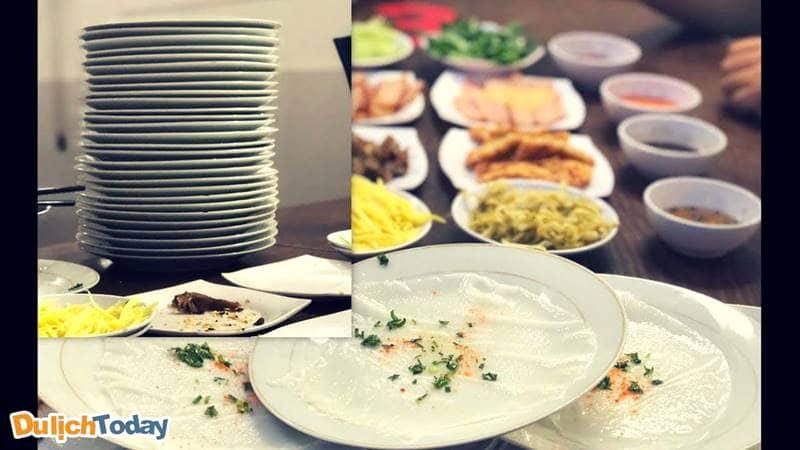 Bánh ướt đĩa chồng đĩa - món ăn vặt rẻ nhất Vũng Tàu