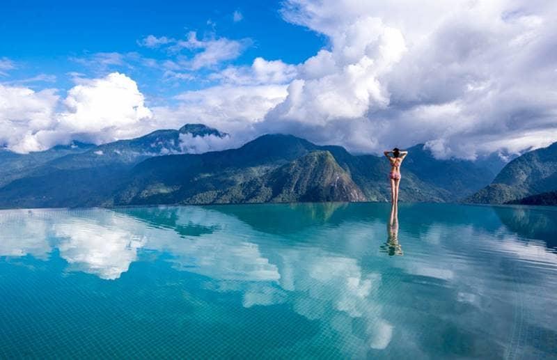 Tận hưởng view đẹp hút hồn từ bể bơi của Topas Ecolodge Sapa