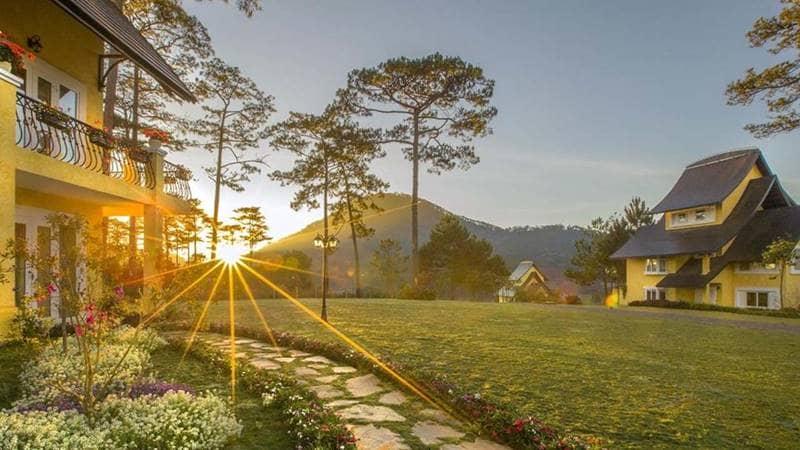 Những căn villa tại resort Bình An Village như một ngôi làng dân giã mang đến cảm giác thanh bình yên ả