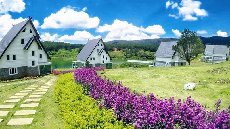 Lựa chọn ở resort trong 1 đêm sau đó di chuyển sang một nơi lưu trú rẻ hơn để tiết kiệm chi phí chỗ ở
