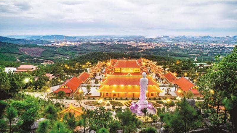 Khu du lịch Ba Vàng Quảng Ninhnhìn từ trên cao xuống