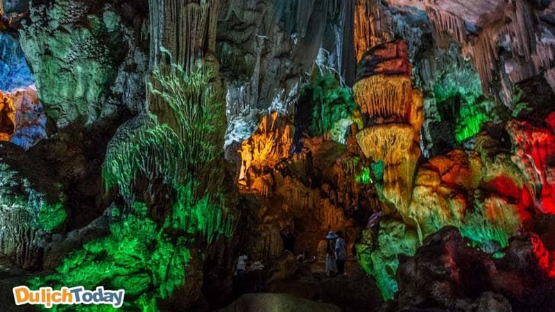 Ngăn thứ 2 trong hang Đầu Gỗ