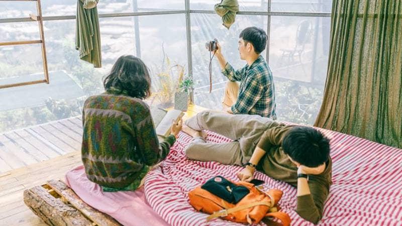Thư giãn cùng bạn bè tại căn phòng gió của Home of Dreamers