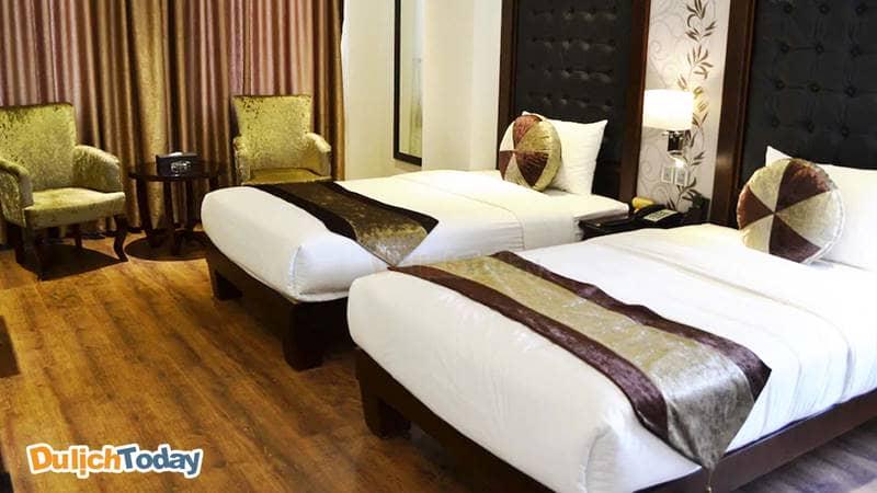 Hạng phòng rẻ nhất tại khách sạn được bày trí lịch sự, đẹp mắt