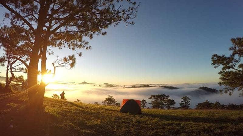 Khu cắm trại Hòn Bồ tuyệt đẹp khi bình minh lên