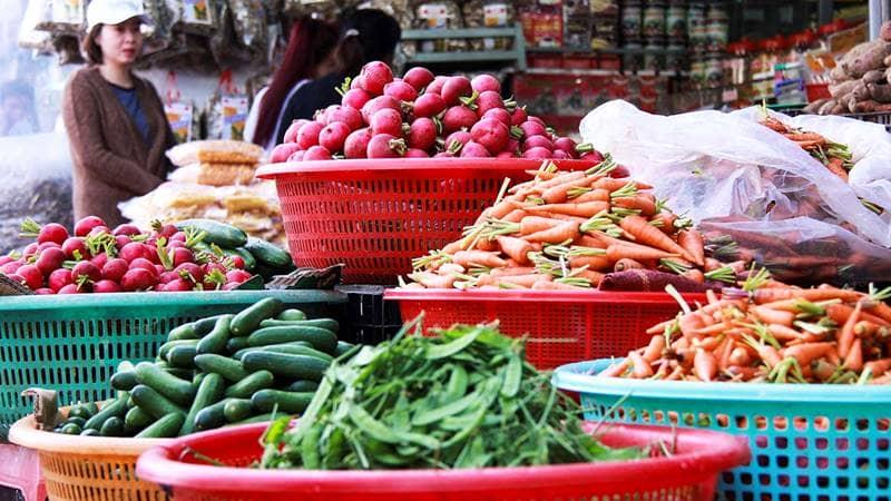 """Đi chợ nông sản Đà Lạt, mua rau củ quả """"tại vườn"""""""