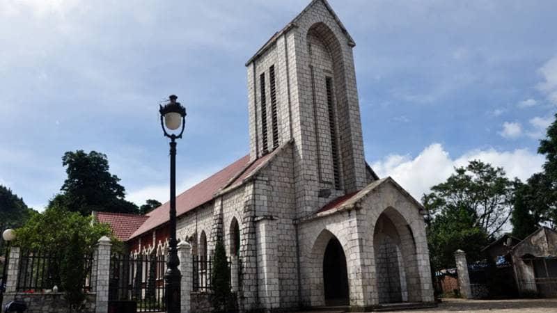 Nhà thờ đá Sapa vói lối kiến trúc gothic
