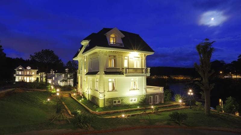 Resort hồ Tuyền Lâm Đà Lạt về đêm. Nguồn: Internet