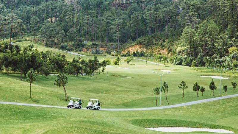 Sân Golf 18 lỗ ở Sam Tuyền Lâm Golf & Resorts. Nguồn: Internet